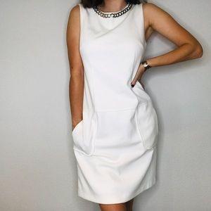 Laundry by Shelli Segal white sheeth chain dress